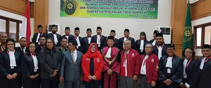 Sidang Terbuka Pengadilan Tinggi Denpasar dalam acara Pengambilan Sumpah Advokat FERARI
