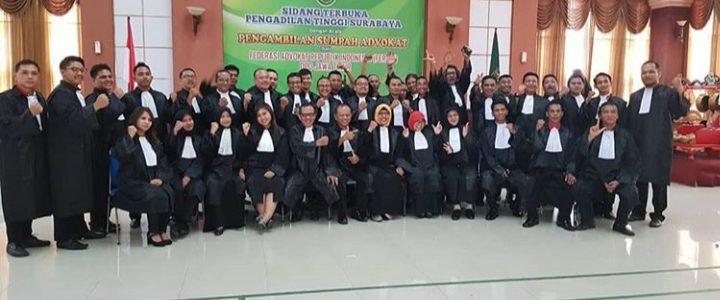 Pengambilan Sumpah Advokat FERARI di Pengadilan Tinggi Surabaya